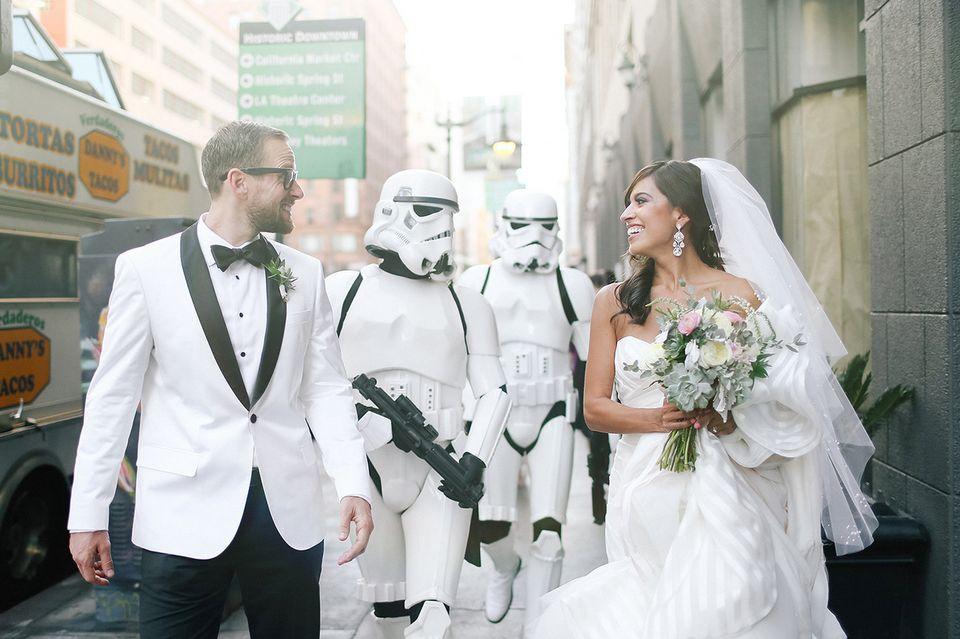 Esta boda inspirada en 'La guerra de las galaxias' es tan 'friki' como 'chic'