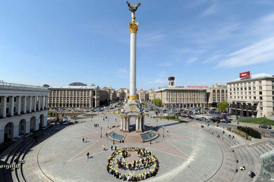 La plaza de la Independencia de Kiev, antes y después de los enfrentamientos
