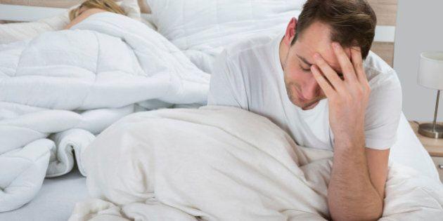 El gran dilema de las parejas: ¿Dormir juntos o