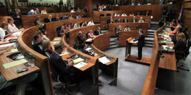 Sorpresa en Asturias: Foro cambia su voto y provoca un empate entre los candidatos de PP y