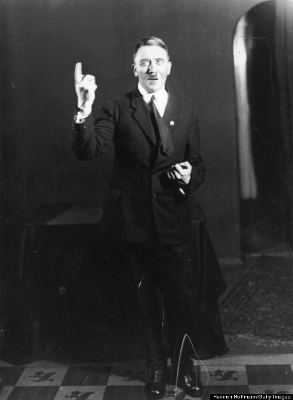 Fotos de Hitler: las imágenes íntimas del dictador nazi ensayando sus discursos tras salir de la cárcel