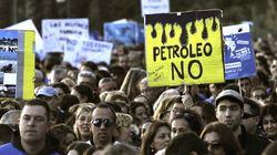 Miles de personas protestan en Baleares contra prospecciones