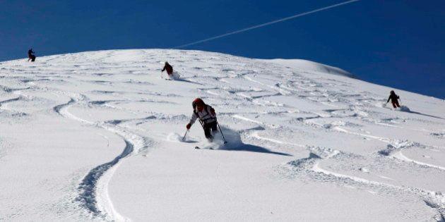 Si vas a esquiar, no olvides las gafas, los guantes y estas