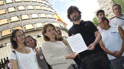 La PAH tilda de oportunista al PSOE por