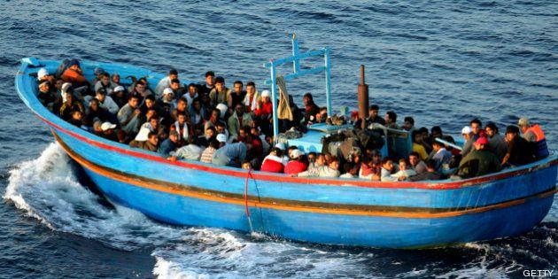 Cuánto paga un inmigrante por llegar a España: 1.500 euros en una lancha; 6.000 oculto en un coche