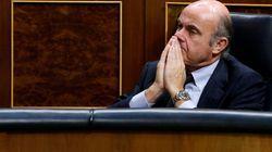 La oposición quiere explicaciones de De Guindos por el 'caso