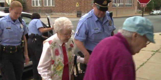 Esta abuela de 102 años cumple su RARO deseo para antes de