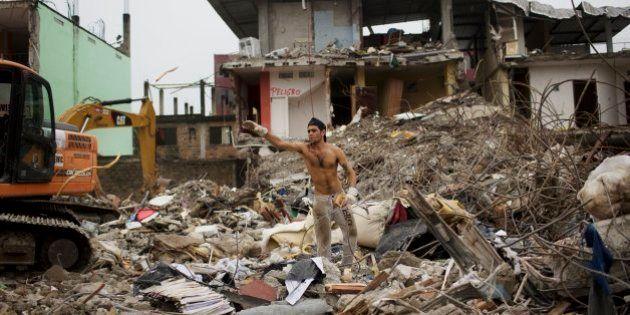 Correa decreta 8 días de luto una semana después del terremoto de