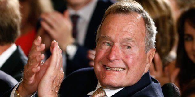 George Bush padre, hospitalizado por problemas