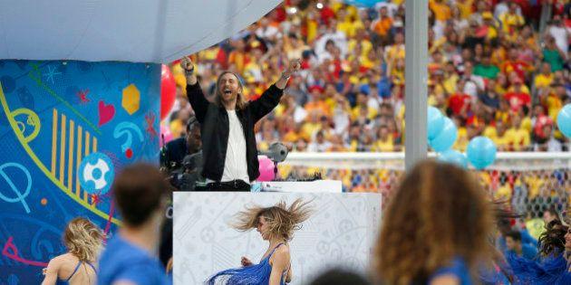 La ceremonia de inauguración de la Eurocopa combina tradición y