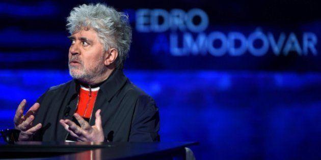 Almodóvar afirma que España atraviesa uno de sus peores