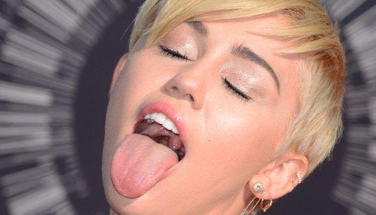 Miley Cyrus cumple 23 años: sus 'looks' más rompedores