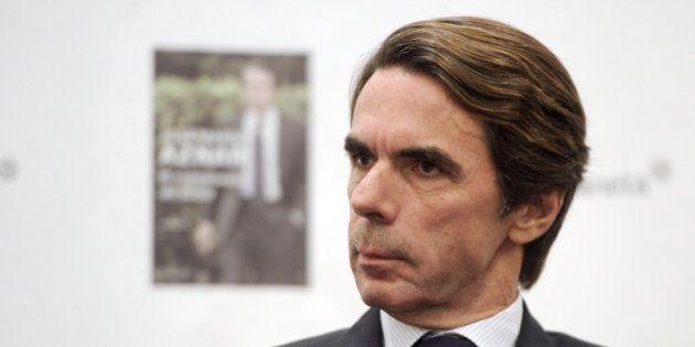 Aznar pide reaccionar de manera