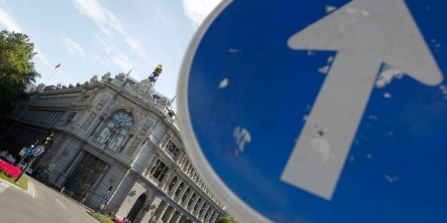 El Banco de España propone abaratar el despido y subir el IVA... pero sus sueldos