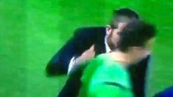Las collejas de Simeone al cuarto árbitro tras su expulsión