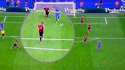 Modric marca un golazo... mientras un rival se ponía a hacer