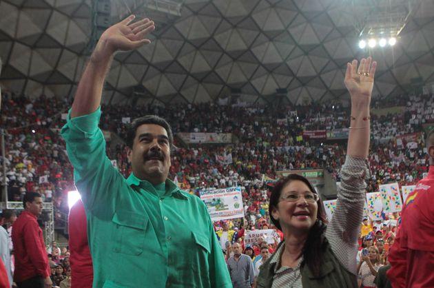 Tenemos que seguir hablando de Venezuela y de política