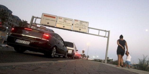 La Comisión Europea advierte a España de que una tasa en la frontera de Gibraltar sería