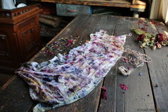 Cuando las flores se convierten en ropa: esta artista las reaprovecha para teñir