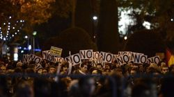Miles de personas rodean el Congreso en protesta contra la