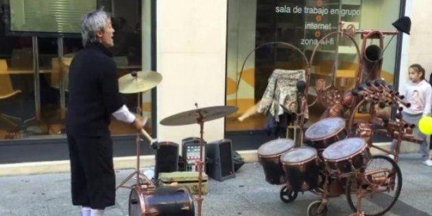 El músico malabarista de Zaragoza que ha cautivado a millones de personas en