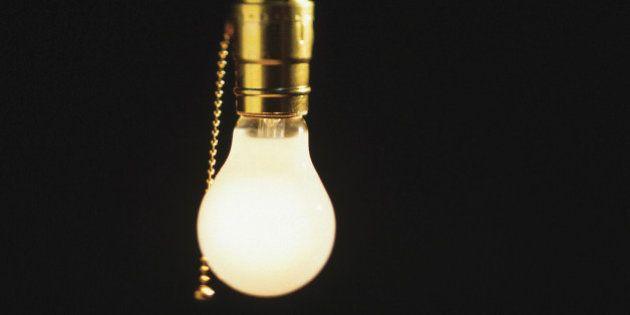 La Izquierda Plural pide prohibir por ley cortes de luz, agua y gas a familias