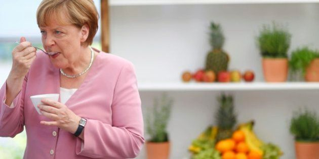 Merkel y Hollande piden una cumbre extraordinaria de la eurozona para este