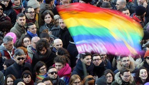 Combatir el ciberacoso LGTBfóbico: construyendo una sociedad más