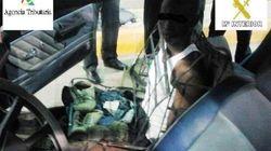 Un inmigrante trata de pasar la frontera de Melilla camuflado como el asiento de un