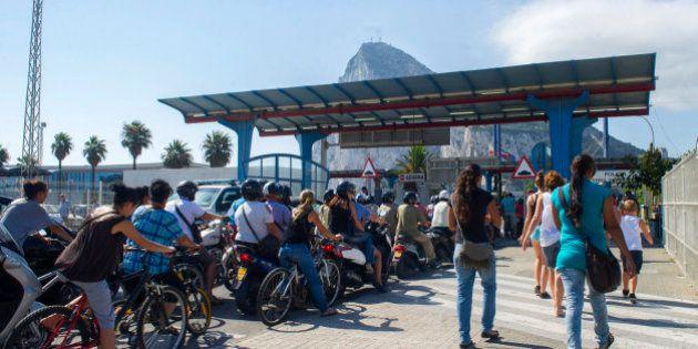 España estudia aplicar un 'peaje' en el Peñón y Gibraltar asegura que recuerda a los tiempos de