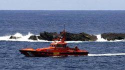 Salvamento marítimo rescata una patera con 40