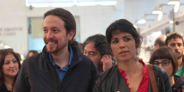 Más de 500 cargos de Podemos piden una consulta popular en las