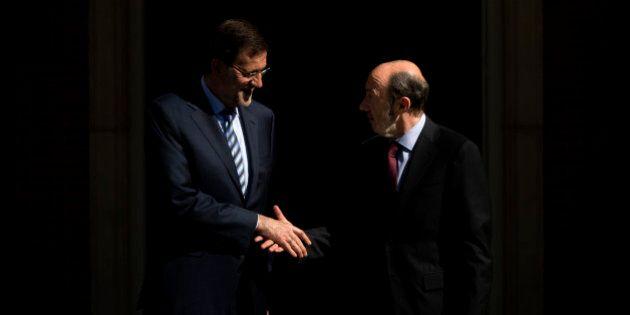 Rajoy y Rubalcaba hacen piña contra la consulta de