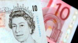 La libra se desploma hasta su mínimo en 31