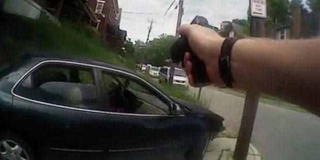 Un polícia, Ray Tensing, acusado de asesinato de Samuel Dubose, un hombre negro