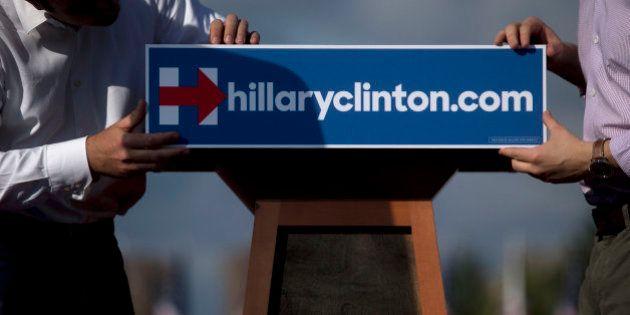 Clinton celebra esta tarde su primer gran mitin de campaña, con el americano medio en el centro de su