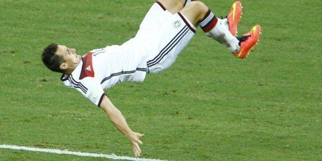 La voltereta de Klose tras su récord y otras imágenes curiosas del Mundial