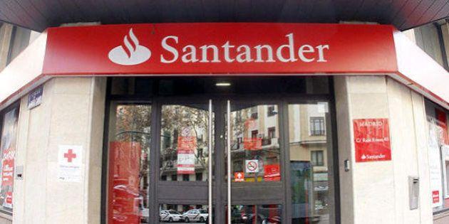 El Santander también te cobrará dos euros en el cajero si no eres