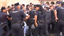 La Policía carga contra los manifestantes que protestaban en