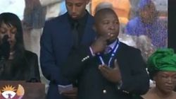 El intérprete del funeral de Mandela ingresa en un