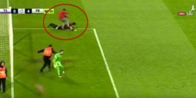 Vergonzosa agresión a un árbitro en Turquía
