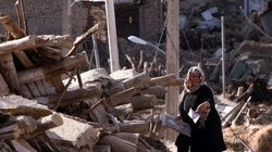 El número de víctimas por el doble terremoto en Irán supera las