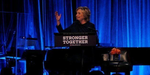 Hillary Clinton cree que la mitad de los simpatizantes de Trump son