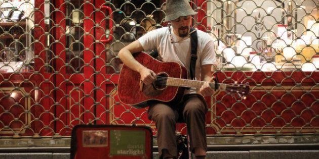 Los músicos callejeros de Madrid deberán examinarse y sólo podrán tocar en aceras de siete