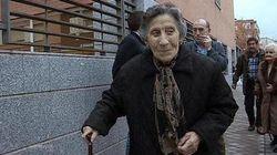 La anciana desahuciada cede parte de la ayuda del Rayo a un exjugador