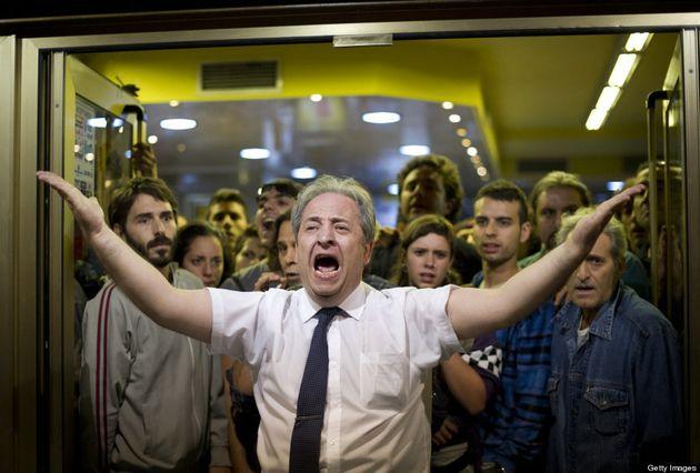 El camarero del 25-S increpa a Pablo Iglesias durante un acto en el