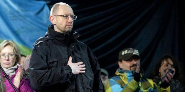 El Maidán elige a Yatseniuk como candidato a primer ministro de