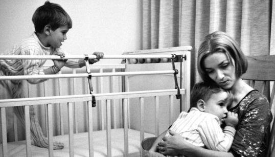 Fotos de madres e hijos que demuestran cómo la maternidad sigue