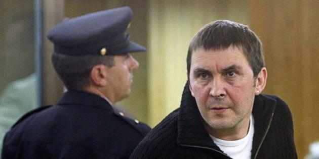 Un Tribunal Constitucional dividido mantiene en prisión a Arnaldo