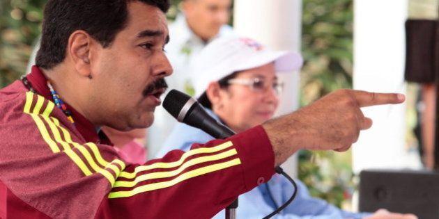 Maduro critica que Felipe González vaya a Venezuela a